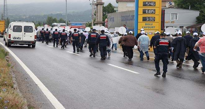 Bolu'da, Hak-İş'in dün başlattığı Emek ve Adalet Yürüyüşü 2'inci günde devam ediyor