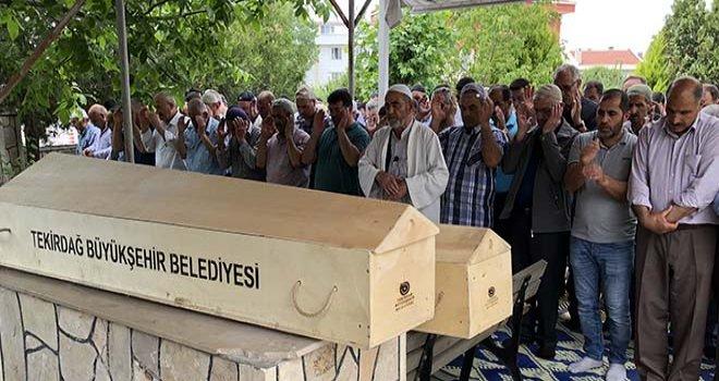 Kazada ölen kardeşler toprağa verildi