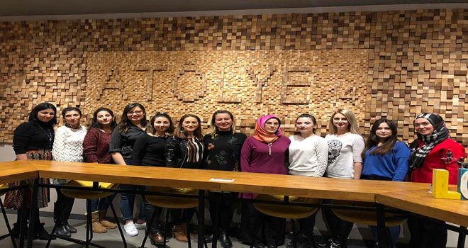 Özel Çamkent Anadolu Lisesi 8 Mart Dünya Kadınlar gününde anlamlı bir kutlama mesajı yayınladı